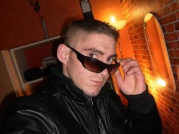 olahattila88 33 éves társkereső profilképe