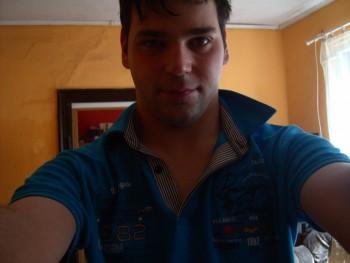 zsoltika93 28 éves társkereső profilképe