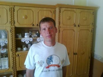 balu0301 39 éves társkereső profilképe