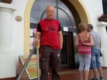ati64 57 éves társkereső profilképe