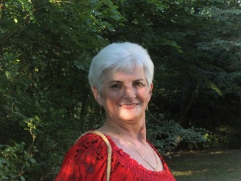 Évica 72 éves társkereső profilképe
