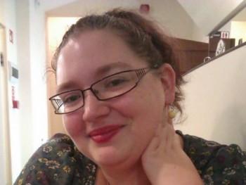 Aurélia 26 éves társkereső profilképe