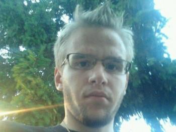 szoboszlay péter 26 éves társkereső profilképe
