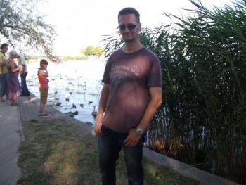 Szabee 44 éves társkereső profilképe