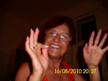 Roza 67 éves társkereső profilképe