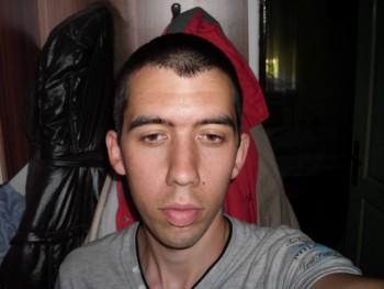 Ricsi 23 28 éves társkereső profilképe