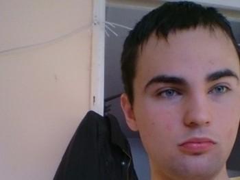 Burt 26 éves társkereső profilképe
