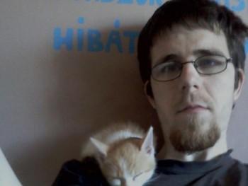 Ragnarok 30 éves társkereső profilképe