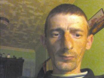 fec 38 éves társkereső profilképe