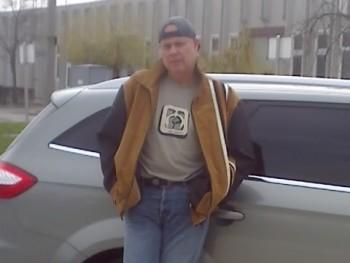 Egyes 66 éves társkereső profilképe