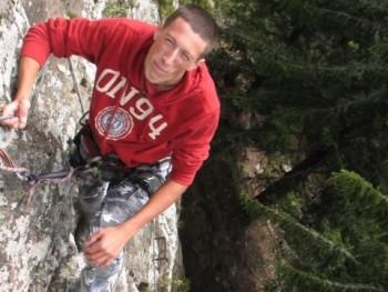 johndahlback 29 éves társkereső profilképe