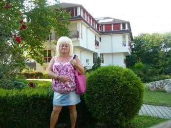 Helen001 59 éves társkereső profilképe