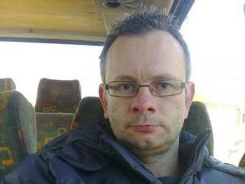 Massai 44 éves társkereső profilképe