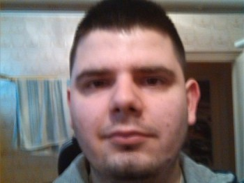 balu0404 32 éves társkereső profilképe
