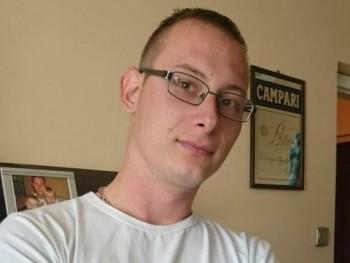 ervin1990 30 éves társkereső profilképe