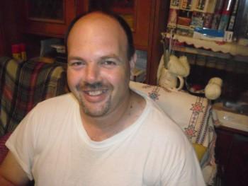 Kiss Péter 48 éves társkereső profilképe