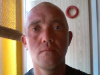 Zozowild 44 éves társkereső profilképe