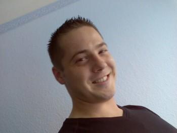 jetboy 39 éves társkereső profilképe