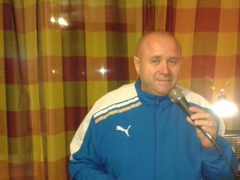 Tömör Róbert 48 éves társkereső profilképe