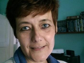 erzsi utoljára 51 éves társkereső profilképe