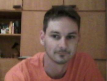 Doom 33 éves társkereső profilképe