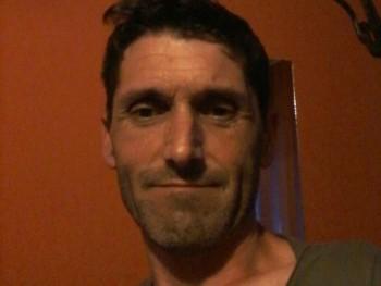 BIGRobert 49 éves társkereső profilképe