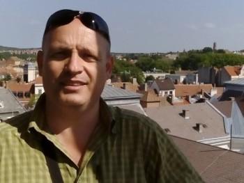 Kristóf7007 50 éves társkereső profilképe