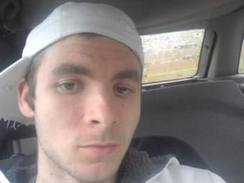 Máté MT 24 éves társkereső profilképe