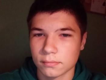 micskubence 21 éves társkereső profilképe
