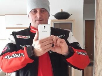 ibron 1 42 éves társkereső profilképe