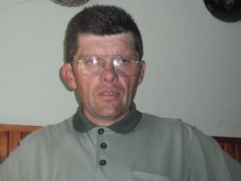 AZÉG 49 éves társkereső profilképe