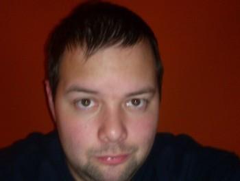 Dokika 34 éves társkereső profilképe