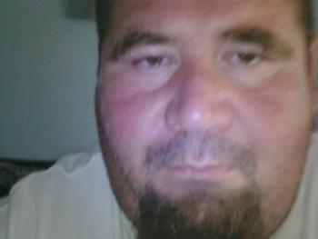 F József 46 éves társkereső profilképe