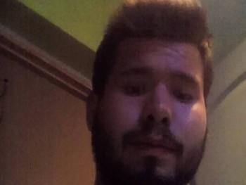 Richárd21 26 éves társkereső profilképe