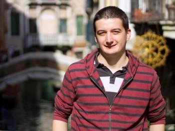 Karcsi86 35 éves társkereső profilképe