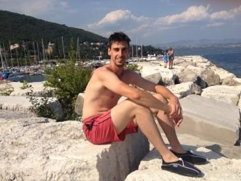 flesh 31 éves társkereső profilképe