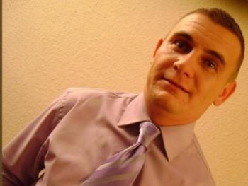 golyó 46 éves társkereső profilképe