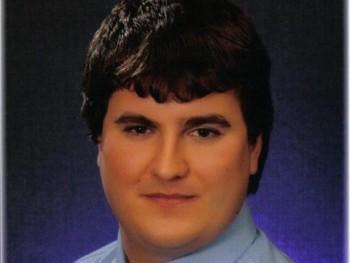 erditomi 33 éves társkereső profilképe