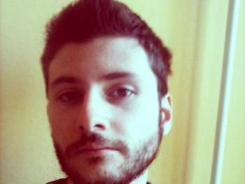 Tomey 30 éves társkereső profilképe