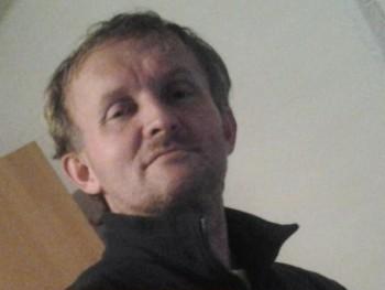 aaaaa 54 éves társkereső profilképe