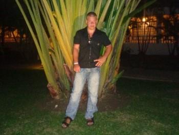 karoly janka 30 éves társkereső profilképe