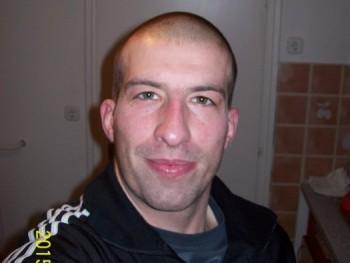 Bendzsy26 31 éves társkereső profilképe