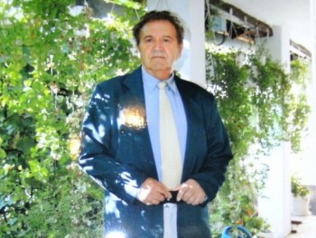 Lanszelot 75 éves társkereső profilképe