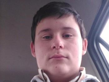 Attila99 21 éves társkereső profilképe
