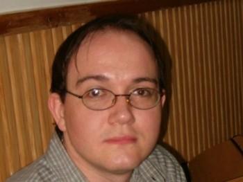 Geraldgerhard 44 éves társkereső profilképe
