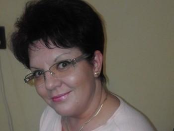 Jónás Emilia 50 éves társkereső profilképe