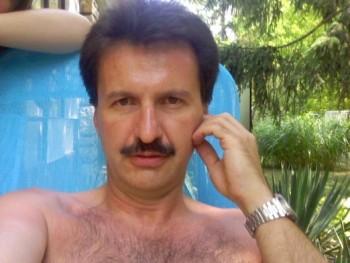 Zsozso19 51 éves társkereső profilképe