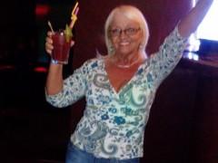 Marcselina - 64 éves társkereső fotója