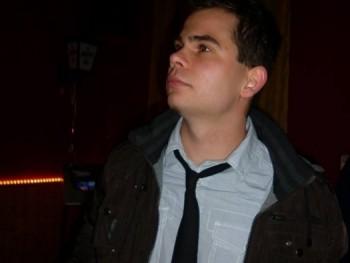 Watt 34 éves társkereső profilképe