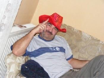 karcsi 51 éves társkereső profilképe